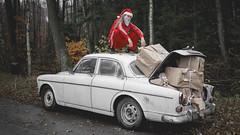Merry Christmas (PonyHans / Castor) Tags: volvo amazon old car santa slav tracksuit tome tomten jul julafton merry christmas cold presents red dope