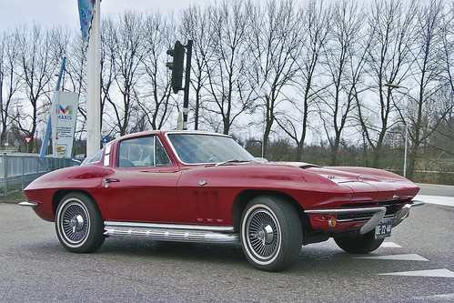 Chevrolet Corvette C2 Stingray Sport Coupé 1965 (2492)