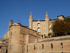 Ducal Palace (Jose Luis Bilbao) Tags: urbino ducalpalace