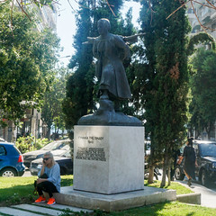 Frauenstatue Gynaika tis Pindou (PWeigand) Tags: chalkidiki thessaloniki θεσσαλονίκη decentralizedadministrationof griechenland decentralizedadministrationofmacedoniaandthrace