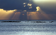 mauritius rays (1) (kexi) Tags: mauritius ilemaurice africa water ocean indianocean rays clouds sky sunset blue canon october 2016 light instantfave