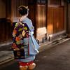Maiko #1 ~ Quartier de Gion [ Kyoto ~ Japon ] (emvri85) Tags: d850 japan japon kyoto maiko portrait girl fille japanese bokeh geisha rue street 50mm