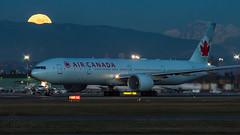 C-FKAU - Air Canada - Boeing 777-333ER (bcavpics) Tags: cfkau aircanada ac boeing 777 773er aviation aircraft airliner airplane plane cyvr yvr vancouver britishcolumbia canada bcpics