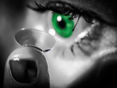 Fingertips 2.0 -  Reflecting Macro Mondays 2017 (davYd&s4rah) Tags: olympus em10markii m1240mm f28 macromonday macro fingertips eye colorkey green contactlense blackandwhite focus