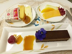 EVA Air Inflight Desserts (阿Dex) Tags: cake dessert cheese biscuit sweet fruit evaair inflightmeal inflightfood food yummy
