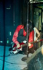 The Jon Spencer Blues Explosion by Edwina Hay (7 of 36) (eatsdirt) Tags: 35mm bustmagazine bustmagazinebenefit jonspencer jonspencerbluesexplosion judahbauer knittingfactory march2002 russellsimins thejonspencerbluesexplosion film scan