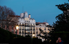 Night mood. Madrid. (Hayk Senekerimyan) Tags: spain españa madrid nigh mood twilight sunset city christmas light trees walking fujifilm fujinon december2016 balconies windows central