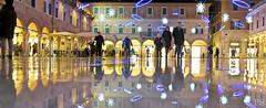 BUON NATALE DALLA PIAZZA PIU' BELLA DEL MONDO- EXPLORE (piera.seghetti) Tags: ascoli piceno piazza del popolo