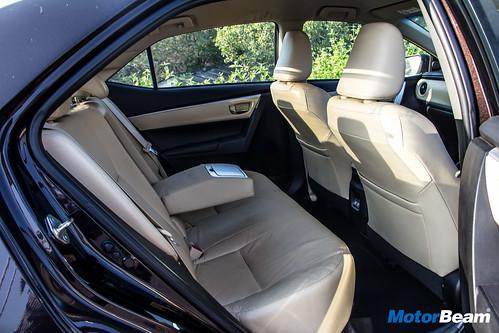 2017-Toyota-Corolla-Altis-9