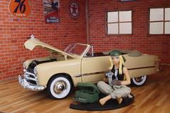 1949 Ford custom diecast 1:24 made by Danbury Mint (rigavimon) Tags: diecast miniaturas 124 diorama 1949 chevrolet garage