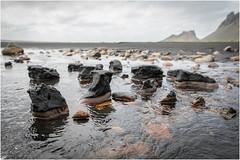 Stones & Black Sand (:: Blende 22 ::) Tags: black stone beach ufer schwarz sand steine meer sea coast küste canoneos5dmarkiv ef2470f28liiusm iceland island stokksnes atlanticocean