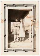 Vintage Snapshot : Bonnie Duke & Mrs. Duke (CHAIN12) Tags: vintage photo scan scanned long hair longhair couple kthyphts3dukeladiesduo bonnie duke mrs