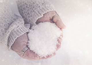 ~Love is like winter. It can be beautiful and peaceful but also cruel and cold.