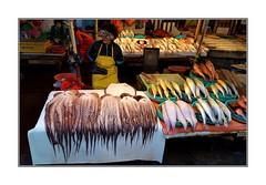 Marché aux poissons / Busan - Corée (PtiteArvine) Tags: marché market fishmarket marchéauxpoissons couleurs busan coréedusud asie poulpes crépuscule