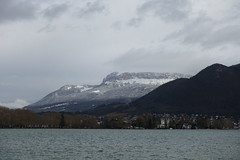 Parmelan @ Lake Annecy (*_*) Tags: annecy hautesavoie 74 savoie france europe hiver winter january 2018 cloudy lakeannecy lacdannecy lake lac