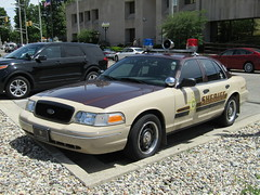 Kosusicko County Sheriff (Evan Manley) Tags: crownvic usa indianasheriffcar federalsignalvisibar trimrings policecar fordcrownvictoria indiana warsaw kosusickocountysheriff kosciusko county sheriff police
