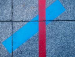 PaveArt-2.jpg (Klaus Ressmann) Tags: klaus ressmann omd em1 abstract asphalt autumn color fparis france placedelabastille blue design flcstrart minimal red streetart klausressmann omdem1