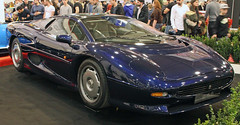 XJ220 (Schwanzus_Longus) Tags: essen motorshow german germany old classic vintage car vehicle sport sports super coupe coupé gb uk great britain british england english jaguar xj220 xj 220