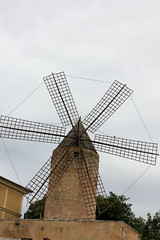 Palma de Mallorca (Bastian Scholt) Tags: mittelmeer mallorca balearen urlaub palma palmademallorca windmühle