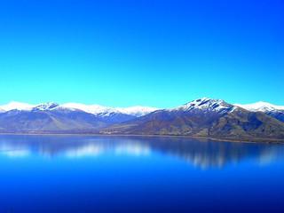 Όταν καθρεφτίζονται τα βουνά / Mirrored mountains