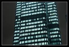 2018.01.02 La Défense by night 53 (garyroustan) Tags: paris france french iledefrance ile island building architecture ville ciudad city nuit night light color noche noel christmas navidad fetes fete feliz joyeux defense