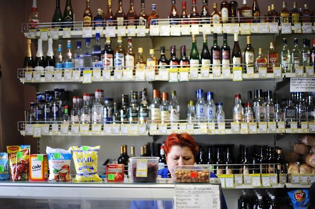 Милонов предложил убрать спирт с русских прилавков