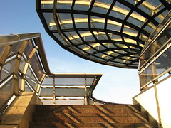 Forum des Halles (RobertLx) Tags: railing stairs staircase glass modern shoppingmall shoppingcentre paris europe france building city architecture sky curves curve