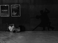 Vergueiro/SP - CCSP (Paola Papini Photography) Tags: ccsp centrocultural centro cultural pessoas people voyeriusm vouyer voyer peeking espiar