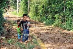 Kids in Vietnam (beudii) Tags: kids children vietnam world people asia asien kinder welt menschen shy