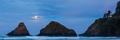 Heceta Moonset (Ranbo (Randy Baumhover)) Tags: oregon oregoncoast pacificocean sunrise panorama hwy101 heceta lighthouse