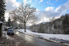 Snowy Day (mad artichoke) Tags: canon eos 5d mark iv 4 24mm december winter germany deutschland schwarzwald black forest baden snow road blue sky trees small town street