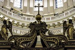 Golden Poverty (Pierre-Luc G.) Tags: nikon nikond810 d810 nikon105mm nikon105mmf2 nikkor105mmf2d nikkor105mmf2 montreal montréal maryqueenoftheworldcathedral basiliquecathédralemariereinedumondedemontréal cathedrale cathédrale angels sculpture cross