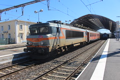 107266 (matty10120) Tags: south france marseille class railway train transprot avignon central gare du