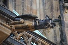 Gargoyles - 38 (fotomänni) Tags: gargoyles gargouille skulptur sculpture skulpturen steinfiguren prag praha prague veitsdom manfredweis