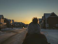 Chaleur dans les cieux (Frédéric T. Leblanc) Tags: quebec canada sun sunset light cold winter people scene cinema cinematic teen teenager amateur fun vibe bleu warm canon d 5d mk3 mkiii mark3 markiii subburb sky blue blueness