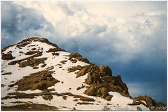 Top of the World (ctofcsco) Tags: 5100 analog asa25 c41 canon canoscan canoscan9000fmarkii ck colornegative colorado coloradosprings ef35105mmf3545 ektar ektar25 eos eos620 explore explored film kodakektar25colornegativeprofessionalfilm scanned unitedstates usa cascade geo:lat=3884124257 geo:lon=10504310171 geotagged oldmountainviewhistorical landscape mountain sky rocks snow 9000f esplora renown pretty photo pic