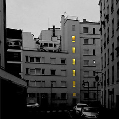 Paris, Quartier Croulebarbe (pom'.) Tags: croulebarbe panasonicdmctz30 january 2018 75 paris îledefrance seine france europeanunion 13èmearrondissement dawn yellow 100 200 5000