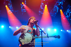 Avett Brothers - 2017 Xmas Jam (Asheville, NC) (David Simchock Photography) Tags: asheville avettbrothers christmasjam davidsimchock davidsimchockphotography frontrowfocus go4dindasproductinos habitatforhumanity hardheadmanagement nikon northcarolina uscellularcenter uscc warrenhayneschristmasjam xmasjam avl avlent avlmusic band benefit concert event festival fundraiser image livemusic music musician performance photo photography usa