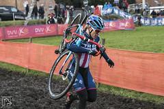 Cyclocross Essen 2017 116 (hans905) Tags: canoneos7d tamronsp2470mmf28divcusd cyclocross cycling cyclist cyclocrossessen cross cx veldrijden veldrit mud nomudnoglory modder womenscycling wielrennen wielrenner wielrenster