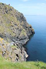 IMG_3751 (avsfan1321) Tags: ireland northernireland unitedkingdom uk countyantrim ballycastle carrickarede carrickarederopebridge nationaltrust landscape green blue ocean atlanticocean island scotland