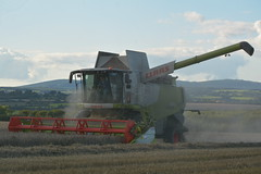 Claas Lexion 670 Montana Combine Harvester cutting Winter Wheat (Shane Casey CK25) Tags: claas lexion 670 montana combine harvester cutting winter wheat grain harvest grain2017 grain17 harvest2017 harvest17 corn2017 corn crop tillage crops cereal cereals golden straw dust chaff county cork ireland irish farm farmer farming agri agriculture contractor field ground soil earth work working horse power horsepower hp pull pulling cut knife blade blades machine machinery collect collecting mähdrescher cosechadora moissonneusebatteuse kombajny zbożowe kombajn maaidorser mietitrebbia nikon d7100