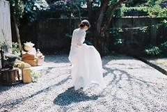 (Hsien hui Tsai) Tags: film taiwan tainan filmphotography 135mm nikon nikonem em kodak kodakcolorplus bride backportrait wedding girl white 2017