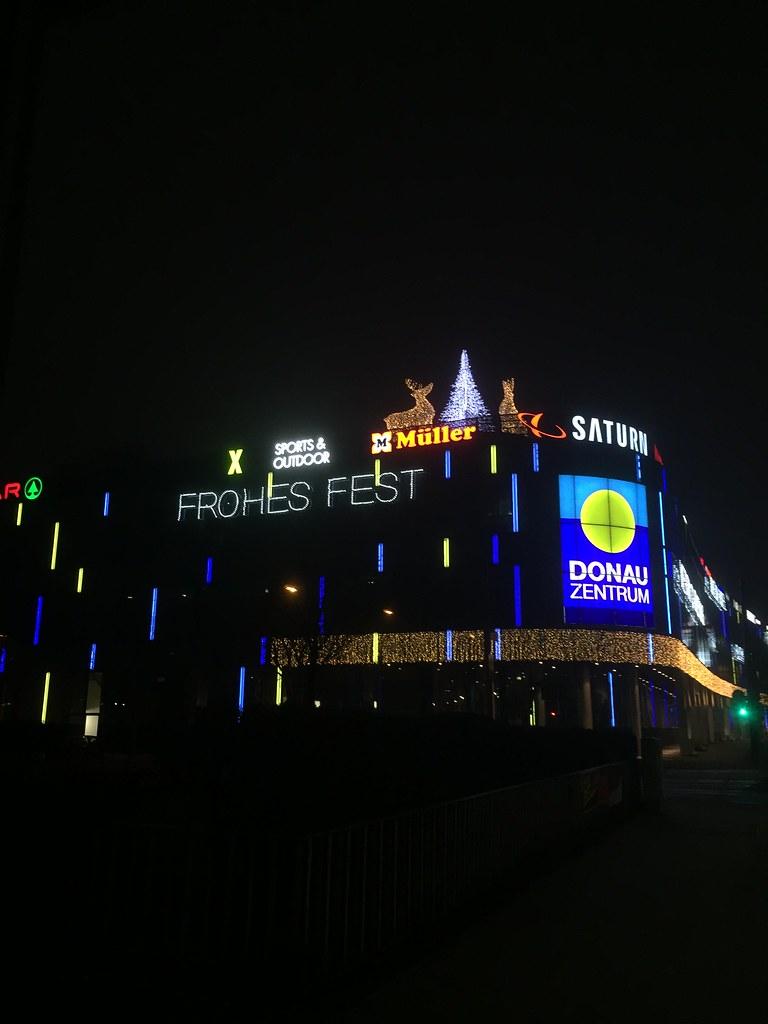 Saturn Weihnachtsbeleuchtung.The World S Best Photos Of Donauzentrum Flickr Hive Mind