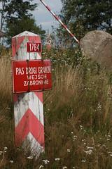 Granica (jacekbia) Tags: europa polska poland podlasie kiermusy słupek graniczny granica border m42 canon 1100d 35mm biały czerowny white red