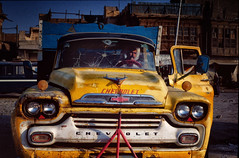 Chevrolet: In the Southern city of Bassorah, Iraq (rvjak) Tags: irak iraq middleeast moyenorient man homme car voiture chevrolet old f3 nikon
