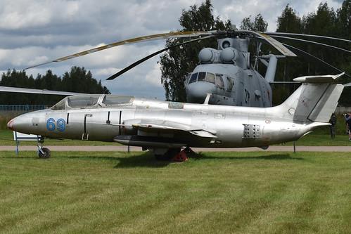 Aero-Vodochody L-29 Delfin '69 blue'
