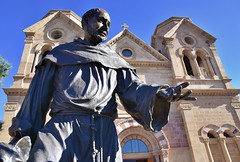 St. Francis of Assisi (jpellgen (@1179_jp)) Tags: stfrancis cathedral church catholic architecture travel roadtrip nikon southwest d7200 december 2017 winter sf nm newmexico santafe basilica assisi sigma 1770mm usa america art statue sculpture