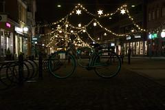 Christmas street (Enrique Brondino) Tags: bicicleta street calle navidad roskilde christmas noche dinamarca bike luces