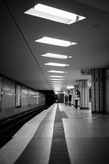Waiting fo the subway train (mripp) Tags: art vintage retro old black white mono monochrom subway train railway underground street strase architecture hamburg germany deutschland patterns leica m10 summilux 50mm