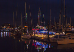 2017-12-15_18-12-40 Decorated Boats (canavart) Tags: victoria bc canada britishcolumbia vancouverisland evening christmas harbor harbour dusk lights reflections reflecting